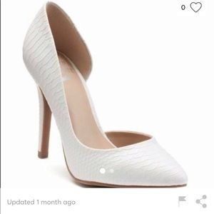 Juicy Couture White Snakeskin Pump🙌🏻